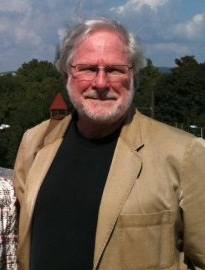 Simmons Recipient of Peace Award